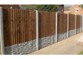 CHESTNUT FENCING AND PAVING
