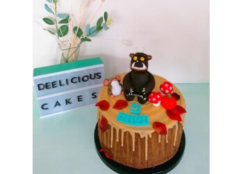 DEElicious cakes