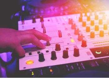 DJ GAZ MCKENNA MOBILE DISCO & KARAOKE