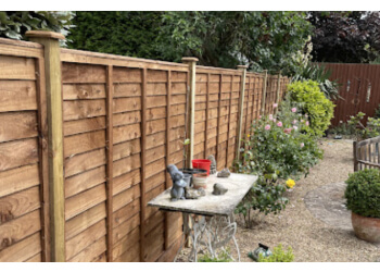 DOVEDALE FENCING