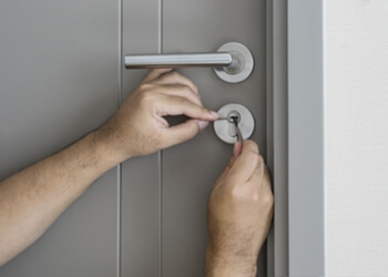 Dor-master locksmith