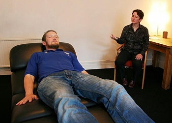 3 Best Hypnotherapy in Cardiff, UK - Expert Recommendations