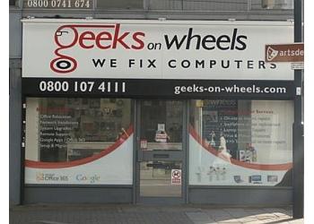 Geeks On Wheels