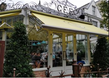 Gee's Restaurant & Bar