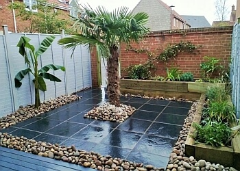 3 Best Landscape Gardeners in Bristol, UK - Expert ...