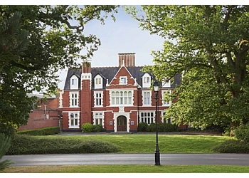 Hilton St. Anne's Manor, Bracknell