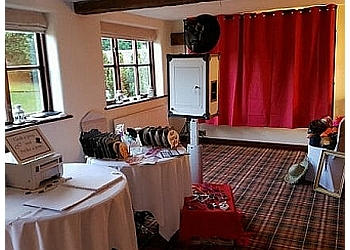 IMPRINT PHOTOBOOTHS AND MAGIC MIRRORS