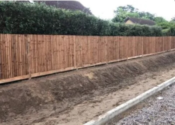 I Wallond Fencing Contractors