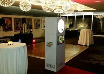 Ida Pod Photo Booths