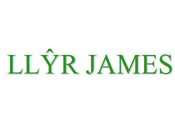 LLYR James