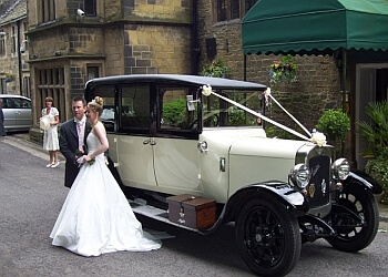 Lauras Vintage Wedding Car Hire