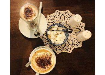 Mannequin Cafe