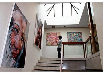 Marburae Gallery