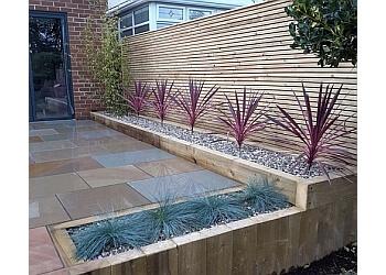 3 Best Landscape Gardeners in Stafford, UK - Expert ...