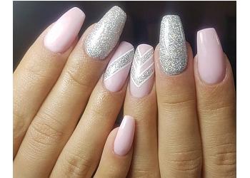 Nails by Roxana