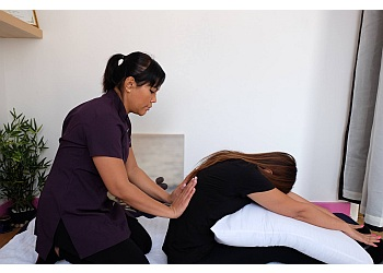 3 Best Massage Therapists in Luton, UK - Expert