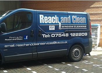 Reach and Clean Window Cleaning