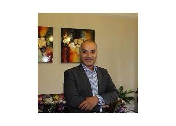 Richard Karoo, MB ChB, MRCS (Eng), MPhil, FRCS (Plast)