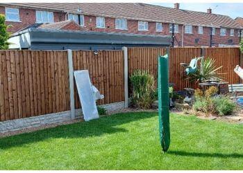 S & R Fencing Contractors