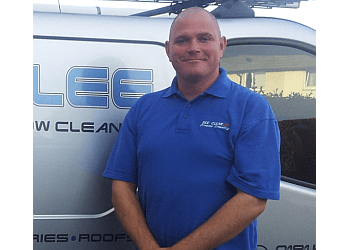 Seeclearlee Commercial & Domestic Window Cleaning