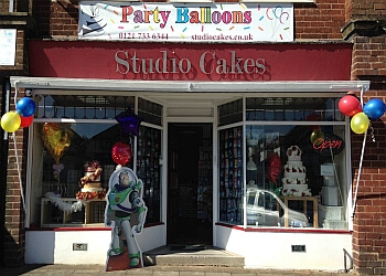 Studio Cakes & Party Balloons