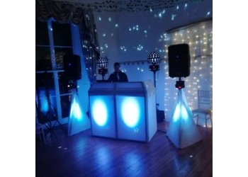 Wirral dj hire Spin 2u Entertainment