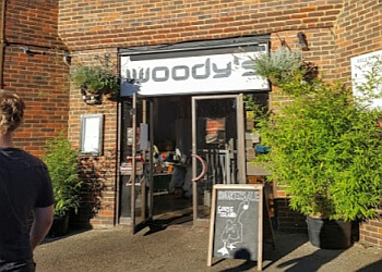 Woody's Bar & Kitchen